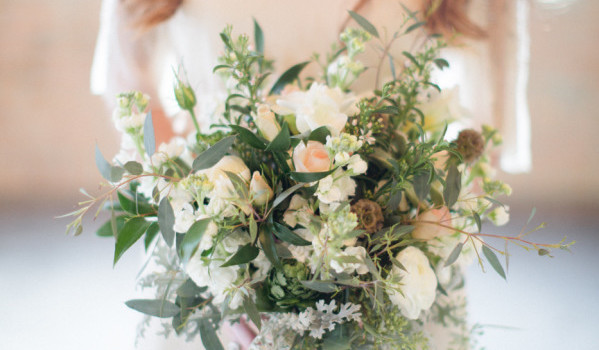 Trend Alert: Rustic Flowers and Flower Crowns