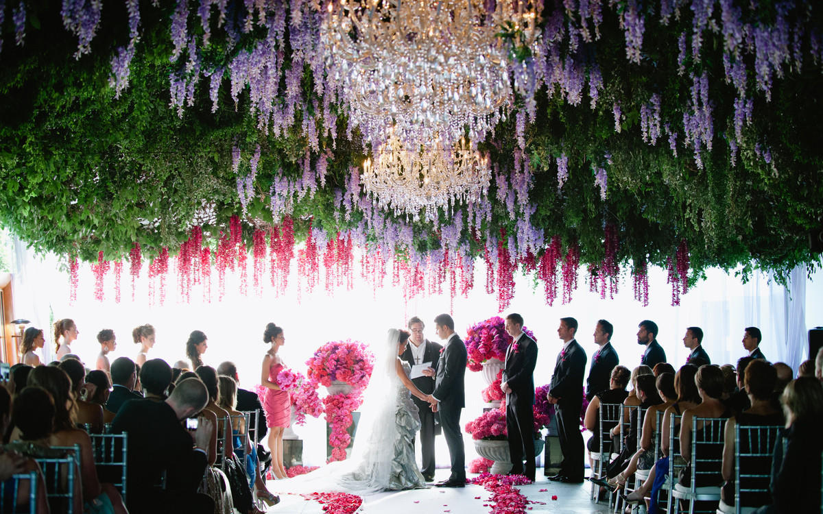 Trend Alert: Beautiful Hanging Decorations For Your Wedding Day